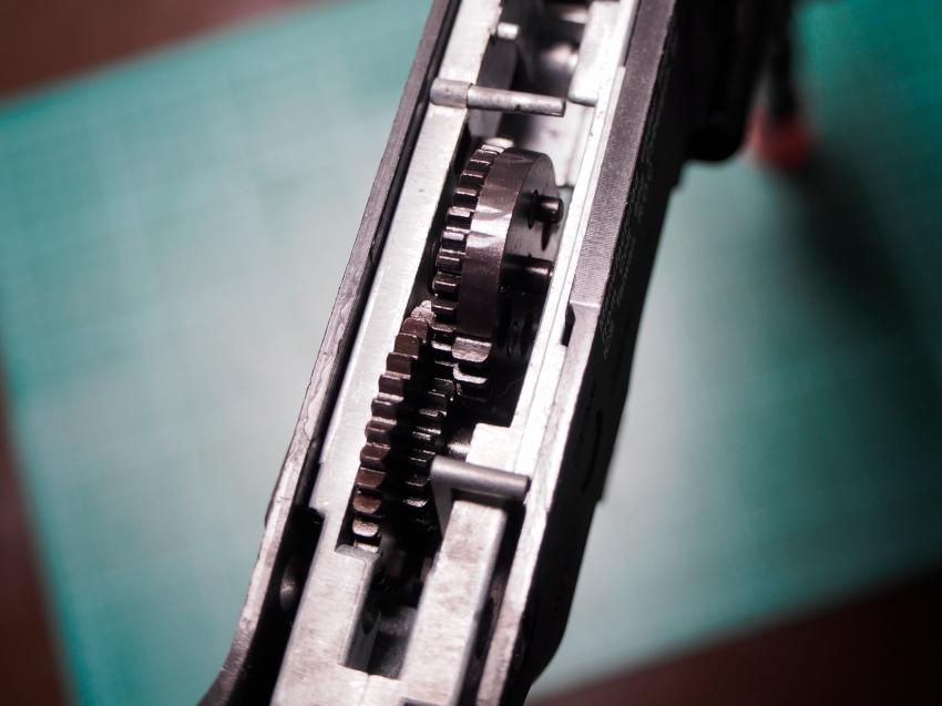 ics-m4-p1-gearsLgb